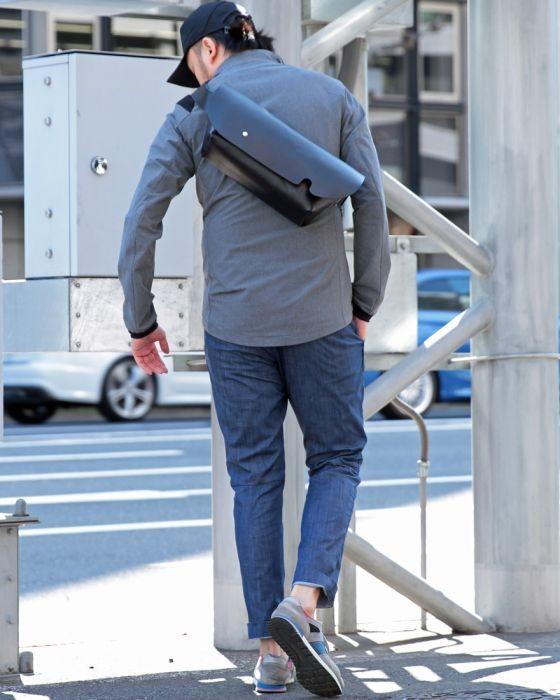 Uni(ユニ) オールレザーメッセンジャーバッグ【MESSENGER BAG (S)/LEATHER STRAP】
