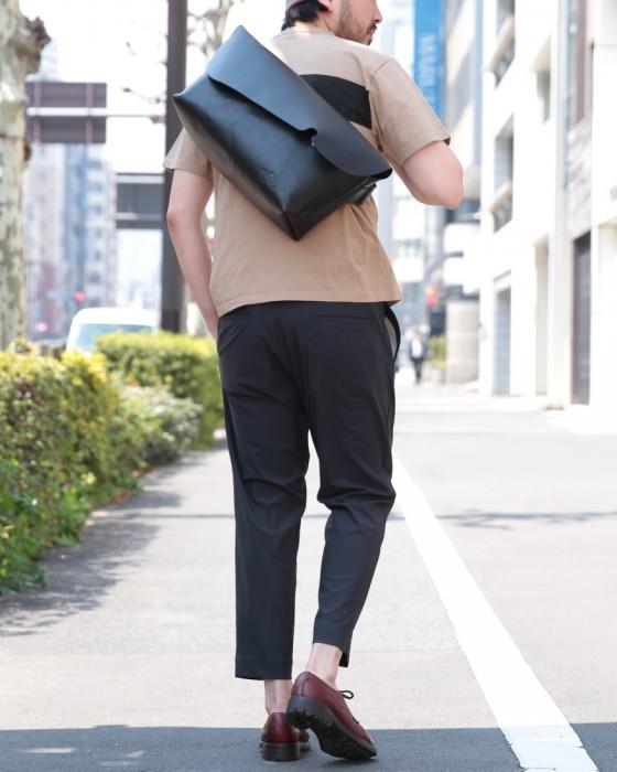 Uni(ユニ) オールレザーメッセンジャーバッグ【MESSENGER BAG (M)/LEATHER STRAP】