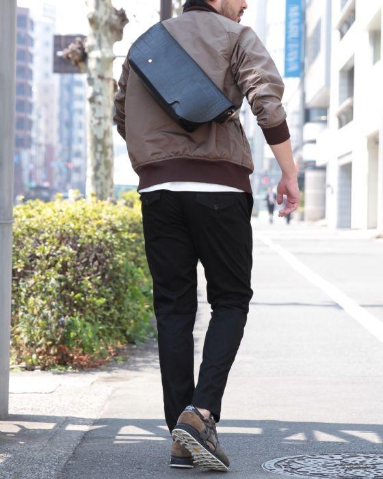 Uni(ユニ) クロコ型押しオールレザーメッセンジャーバッグ【MESSENGER BAG (S)/CROCO PATTERN】