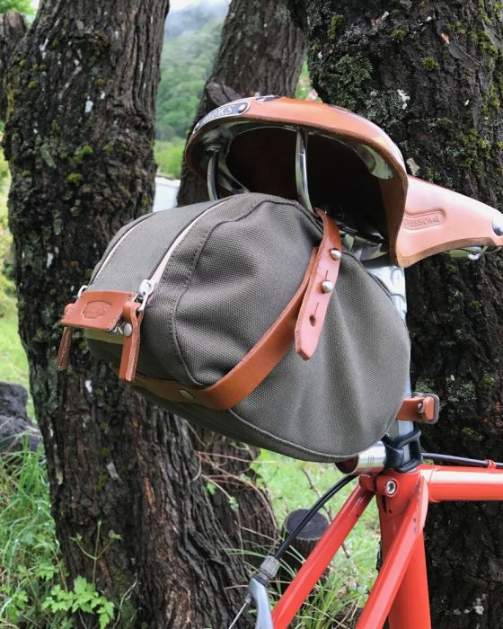 BROOKSサドルバッグ【BROOKS ISLE OF WIGHT SADDLE BAG】21l