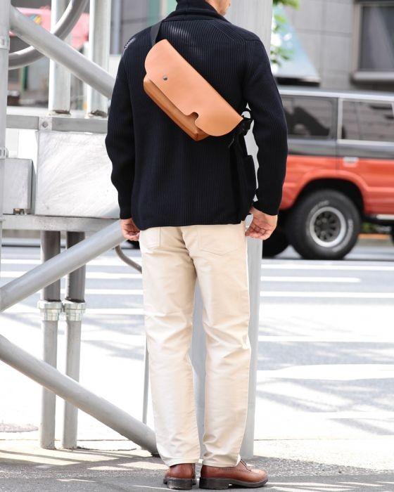 Uni(ユニ) レザーメッセンジャーバッグ【XSサイズ】